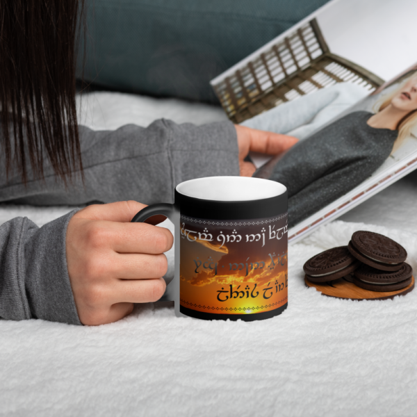 emotion-cup1_mockup_Blanket_Lifestyle_Black